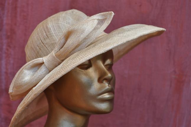 aluguel de chapeus para casamentos by Madame Olly