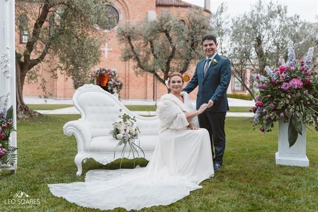 Aluguel de Estolas de Pele - casamento Anderson e Vanessa em Veneza - foto de Leo Soares